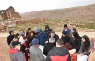 UNESCO uzmanlarından Zerzevan Kalesine ziyaret