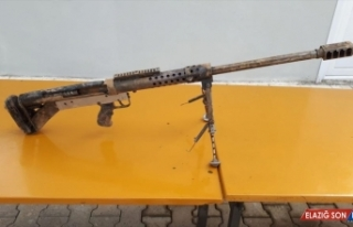Bitlis'te PKK'lı teröristlerin kullandığı 2 sığınakta...