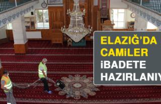 Elazığ'da Camiler, İbadete Hazırlanıyor