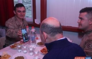 İçişleri Bakanı Soylu, Yüksekova'da asker ve...