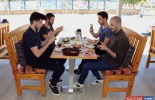 Van kahvaltısı sosyal medya üzerinden dünyaya...