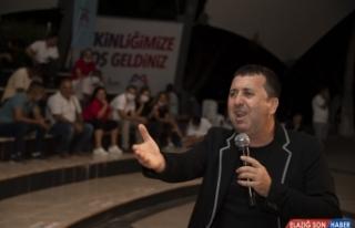 Büyükşehir Belediyesinin 'Komik Gazino' gösterisiyle...