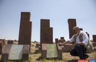 Selçuklu Meydan Mezarlığı'ndaki taşların epigrafik...