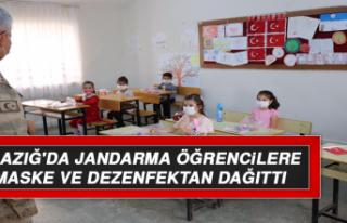 Elazığ'da Jandarma Öğrencilere Maske ve Dezenfektan...