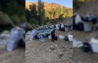 Bingöl'de PKK'lı teröristlerin kullandığı 4...