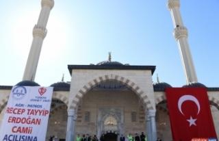Diyanet İşleri Başkanı Ali Erbaş, Ağrı'da cami...