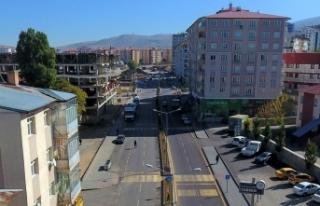 Erzurum'da hizmete açılan yeni yollar şehrin trafiğine...