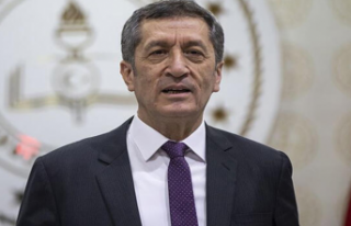 Milli Eğitim Bakanı Ziya Selçuk, TRT EBA'dan...