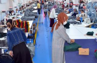 Hakkari'de Tekstilkent Projesiyle 800 Kişi İstihdam...