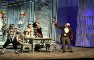 Samsun'da 'Doktor Mucize' komik operası...
