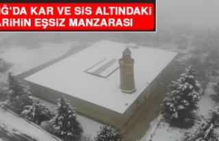 Elazığ'da Kar ve Sis Altındaki Tarihin Eşsiz...