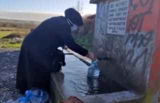 İstanbullular 30 saatlik su kesintisine hazırlandı