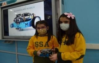 Öğrencilerin robotik kodlama sınıfı hayali gerçek...