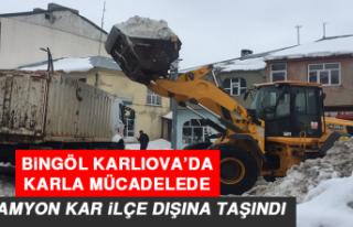 Bingöl Karlıova'da, Karla Mücadelede 700 Kamyon...