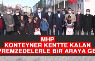 MHP, Konteyner Kentte Kalan Depremzedelerle Bir Araya...