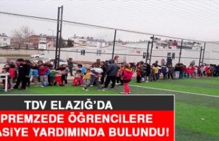 TDV Elazığ'da Depremzede Öğrencilere Kırtasiye...