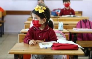 Bilim Kurulu Üyesi: Aşının Çocuklarda Uygulanabilir...