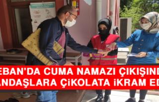 Keban'da Cuma Namazı Çıkışında Vatandaşlara...