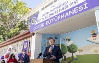 Milli Eğitim Bakanı Selçuk, çocuk kütüphanesinin...