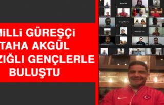 Milli Güreşçi Taha Akgül Elazığlı Gençlerle...