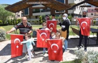 Şehzadeler Belediyesi 19 Mayıs coşkusunu evlere...