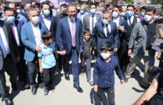 Bakan Kasapoğlu, Diyarbakır'da esnafı ziyaret...