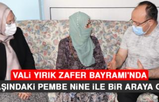 Vali Yırık, Zafer Bayramı'nda 99 Yaşındaki...