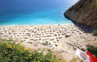 Antalya'ya turist akını: 9 ayda 6 milyon kişi...