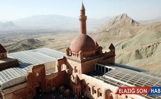 Görkemli yapısıyla 235 yıllık tarih: İshakpaşa Sarayı