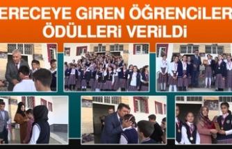 Mustafa Kemal Ortaokulu'nda Öğrencilere Ödülleri Verildi
