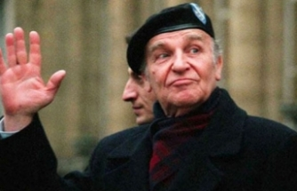 """Vefatının 16. yılında Bosna Hersek'in """"Bilge Kralı"""" Aliya İzzetbegoviç"""