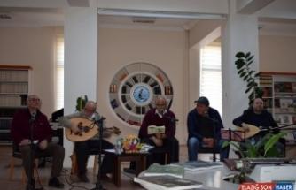 Bolvadin MYO'da müzik ve şiir dinletisi