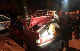 'Dur' İhtarına Uymayıp Kaçarken Kaza Yaptı, Otomobilinden Cephanelik Çıktı
