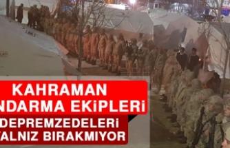 Kahraman Jandarma Ekipleri Depremzedeleri Yalnız Bırakmıyor