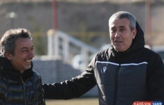 Kemal Özdeş, Yeni Malatyaspor ile ilk antrenmanına çıktı