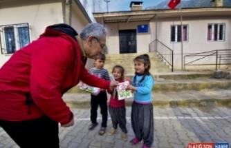Osmaniye fotoğraf sanatçıları derneğinden köy okullarına kitap desteği
