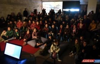 Şanlıurfa'da Hacivat ve Karagöz'e çocuklardan yoğun ilgi