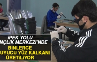 İpek Yolu Gençlik Merkezi'nde Koruyucu Yüz Kalkanları Üretiliyor