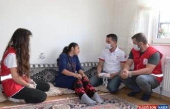 Türk Kızılay gönüllülerinden epilepsi hastası Elifnur'a bayram hediyesi sürprizi