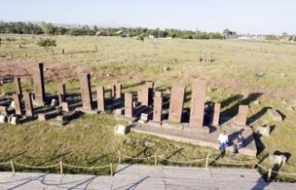 Normalleşme süreciyle Selçuklu Mezarlığı'nda ziyaretçi yoğunluğu