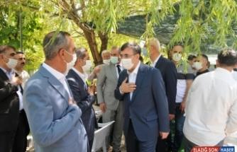 AK Parti Genel Başkan Yardımcısı Cevdet Yılmaz, Bingöl'de partililerle bayramlaştı: