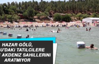 Hazar Gölü, Doğu'daki tatilcilere Ege ve Akdeniz Sahillerini Aratmıyor
