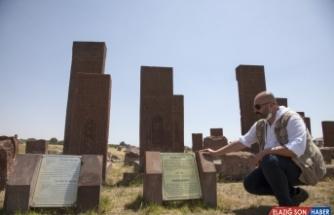 Selçuklu Meydan Mezarlığı'ndaki taşların epigrafik çözümlemesi yapıldı