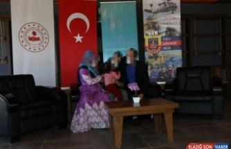 Van'da jandarmanın ikna ettiği PKK'lı terörist, güvenlik güçlerine teslim oldu