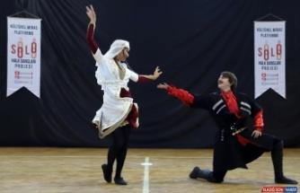 Menderes'te bir ilk; solo halk dansları