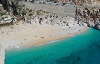 Antalya'da Şubat'ta deniz keyfi