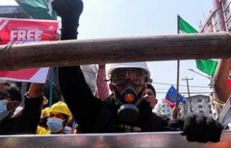 Myanmar'da, Banka Ve ATM'lerden Nakit Para Çekme İşlemi Sınırlandırıldı