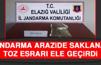 Jandarma Arazide Saklanan Toz Esrarı Ele Geçirdi
