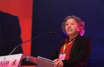 """Prof. Dr. Akbulut: """"Belgesel sinema insanlar ve toplumsal sorunlar var oldukça yaşayacak bir sanat"""""""