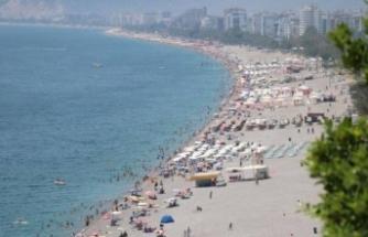 Antalya'da turist yoğunluğu istihdamı artırdı